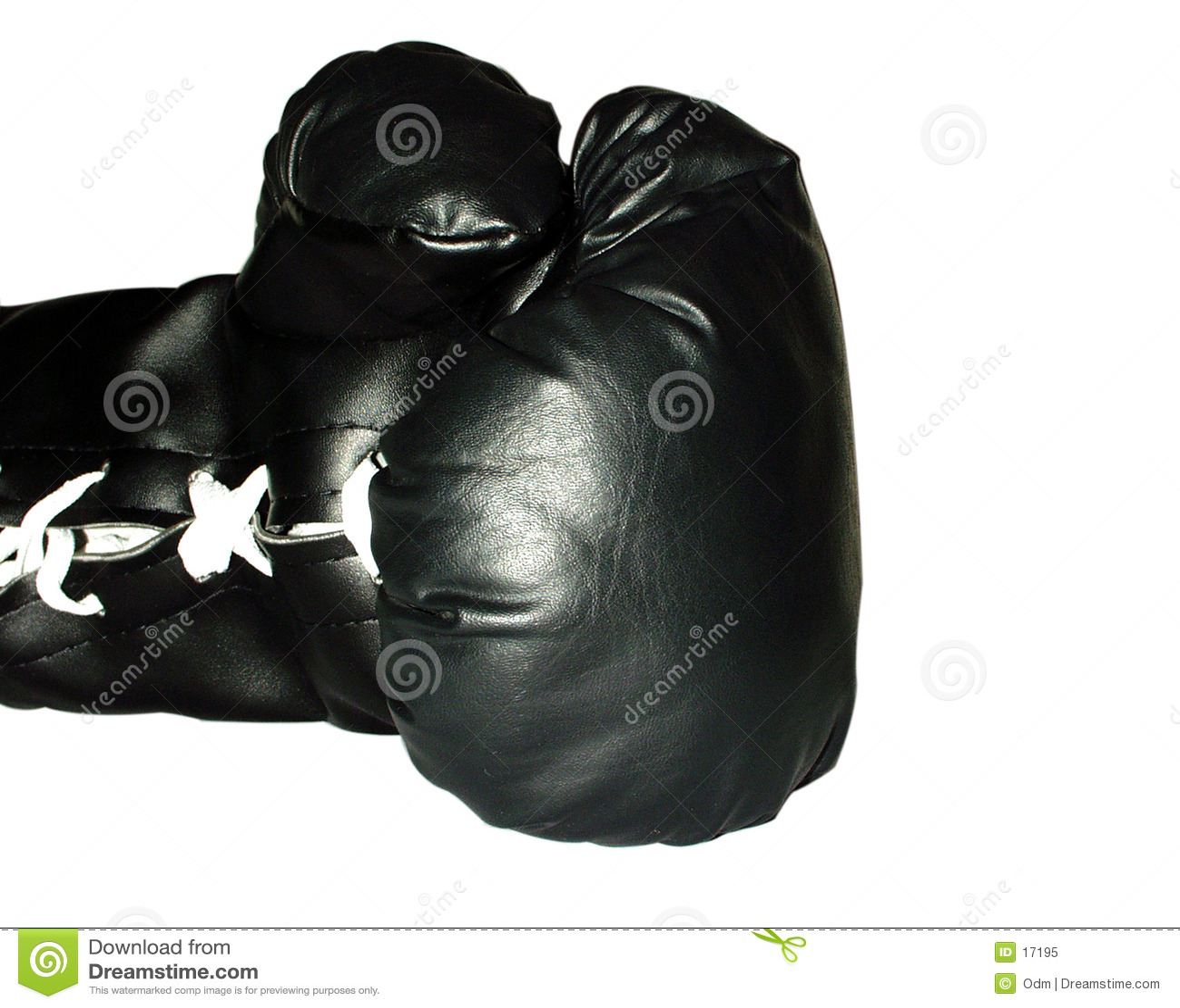 черная перчатка бокса