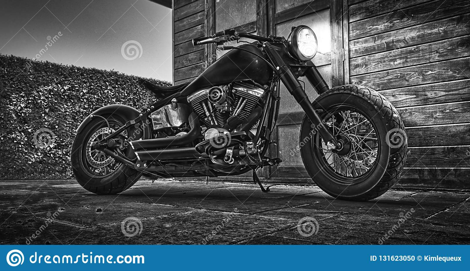 Черно-белое motorCicle