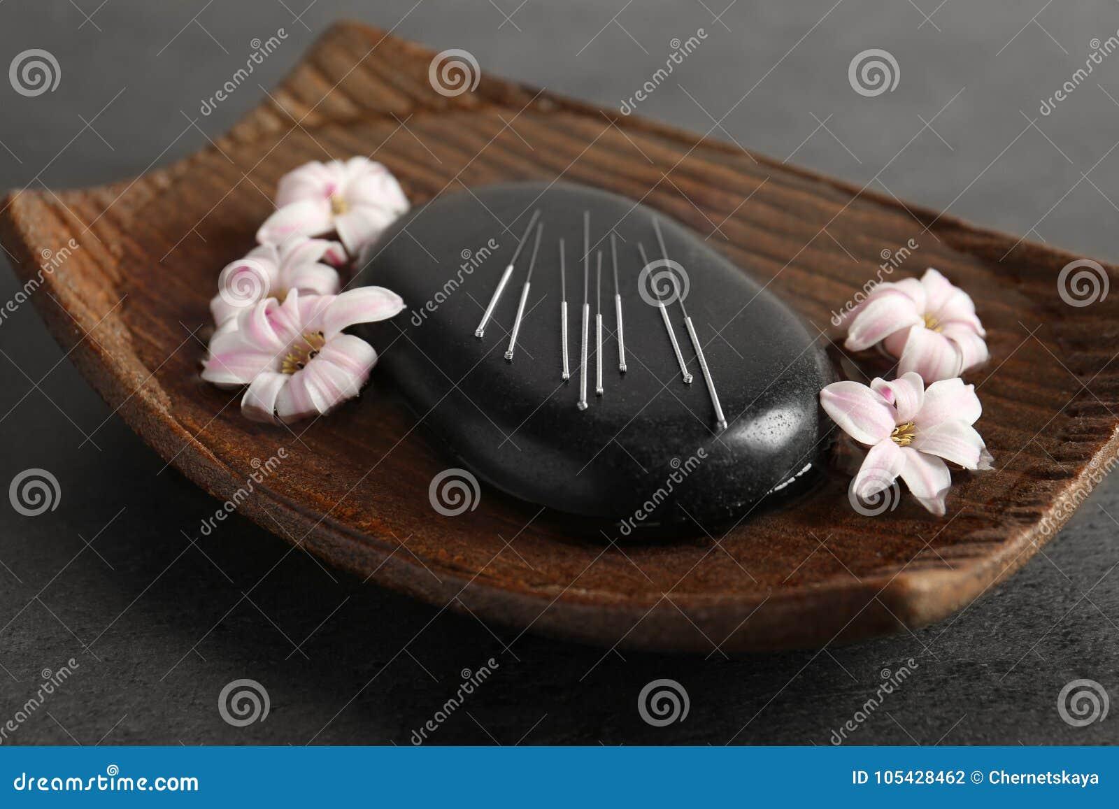 Черный камень курорта с комплектом игл иглоукалывания