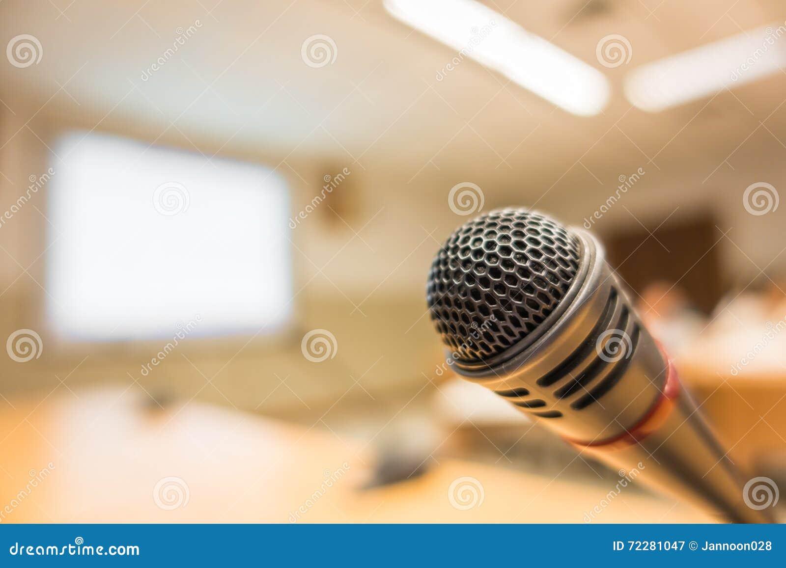 Download Черный микрофон в конференц-зале (фильтрованном V обрабатываемом изображением Стоковое Изображение - изображение насчитывающей средства, лекция: 72281047