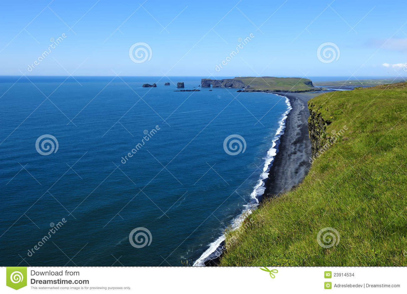черный песок Исландии свободного полета вулканический
