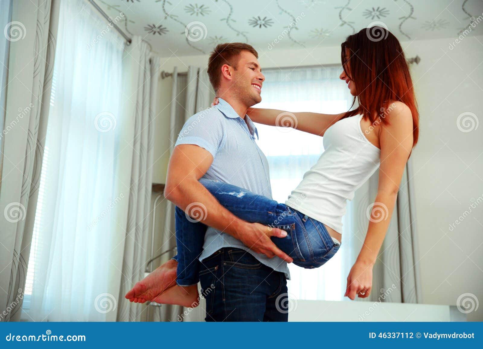 Трахнулась с другом парня, Трахнулась с другом парня порно фото бесплатно на 21 фотография
