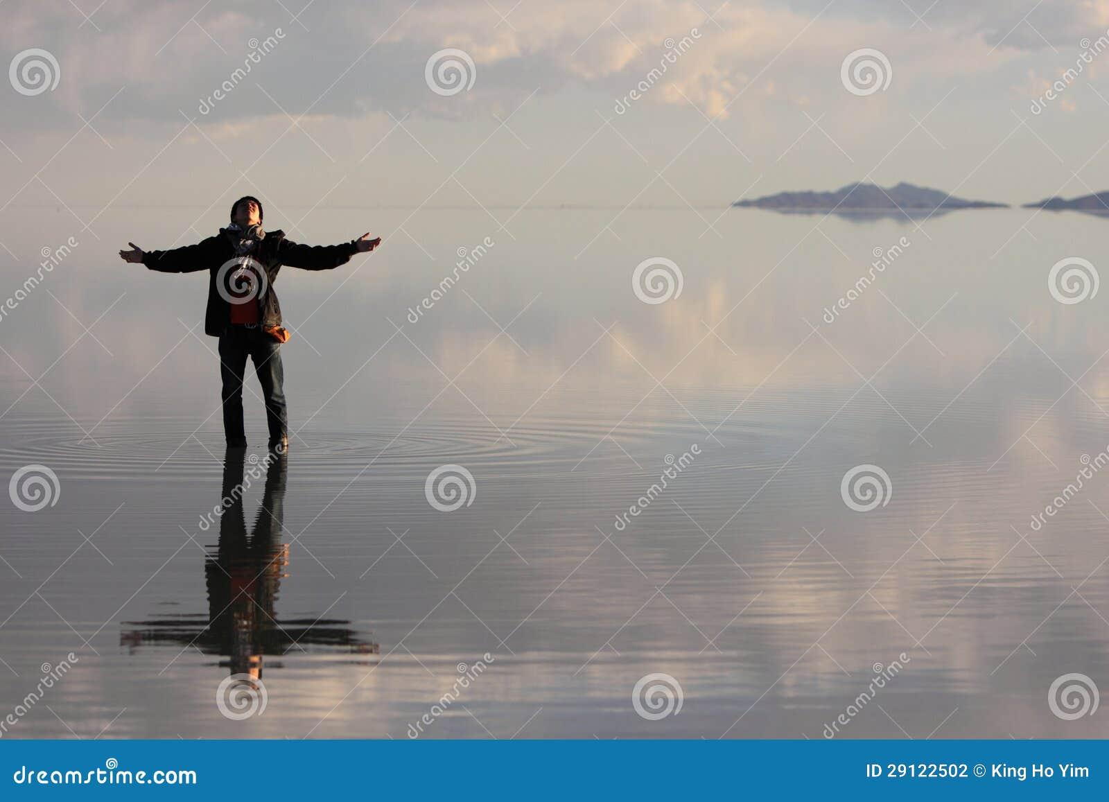 Человек на воде