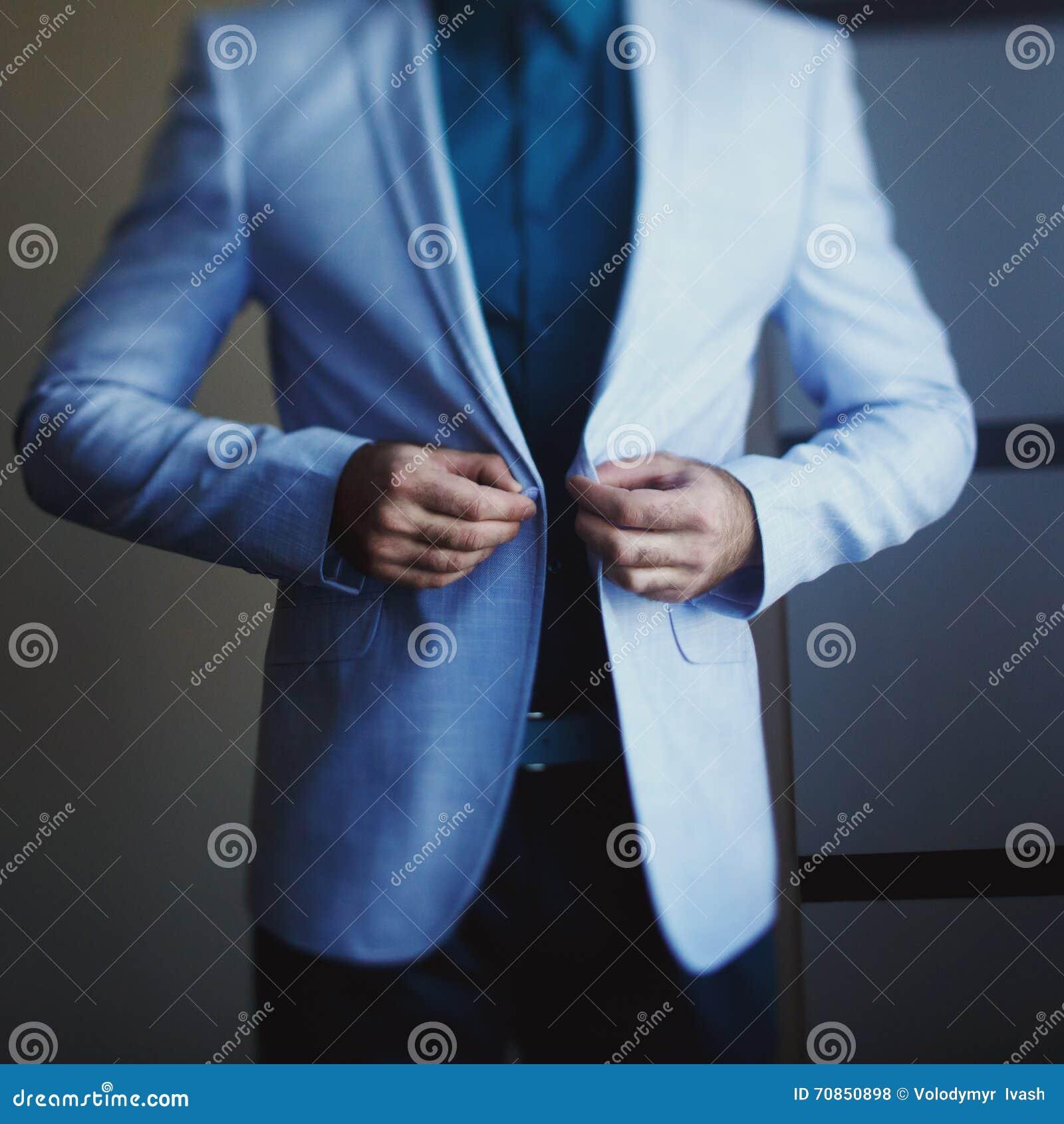 Une veste bleu claire