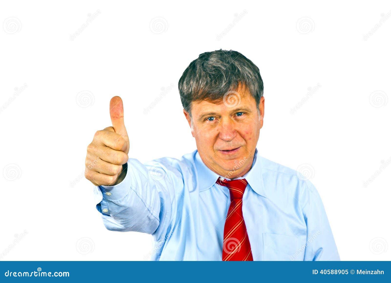 Человек показывает большие пальцы руки вверх