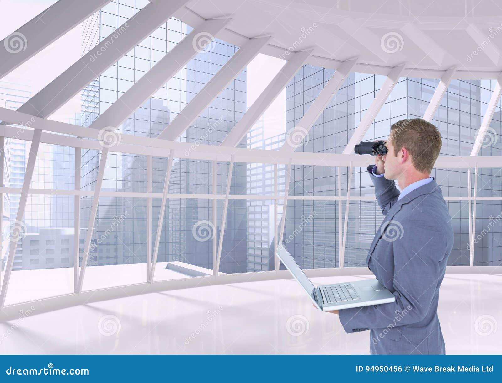 Человек смотря через бинокли против предпосылки здания