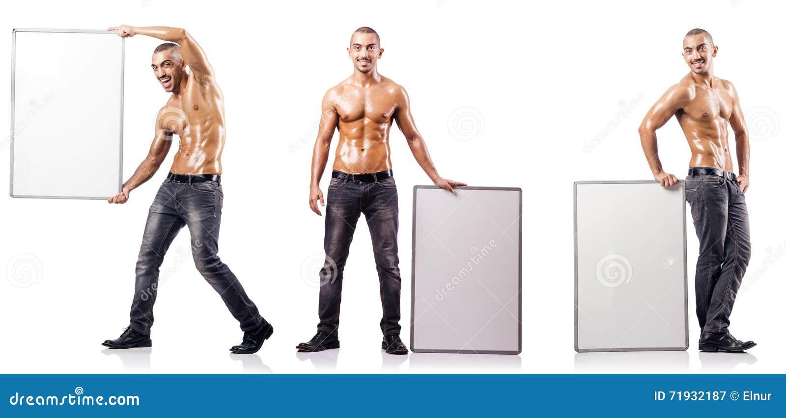 Человек с пустым плакатом на белизне