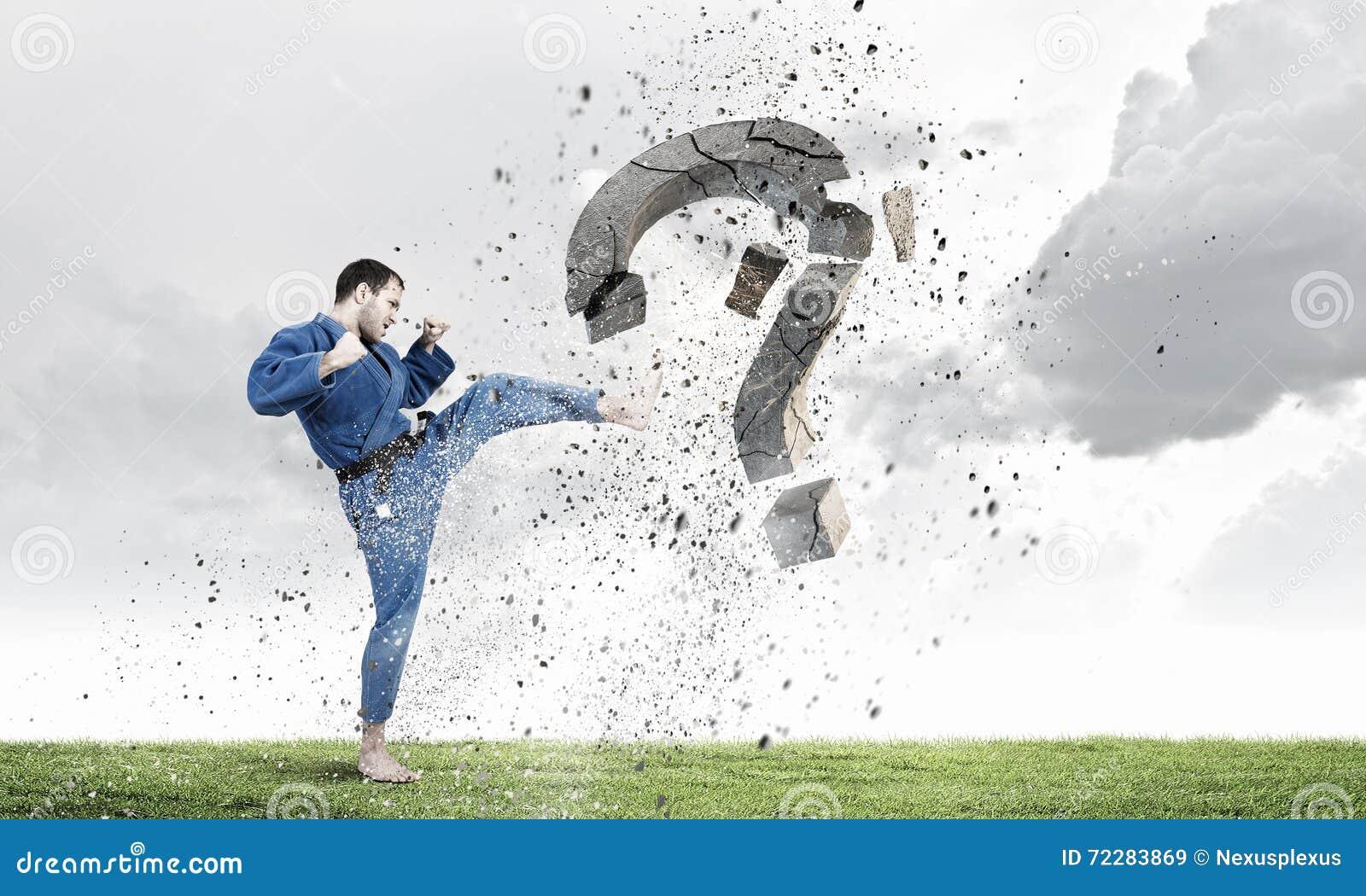 Download Человек Krate в действии стоковое изображение. изображение насчитывающей мужчина - 72283869