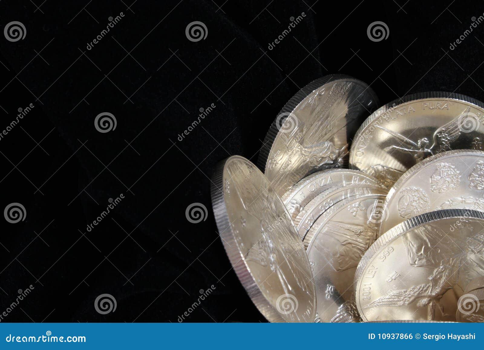 Чисто предпосылка серебряных монет