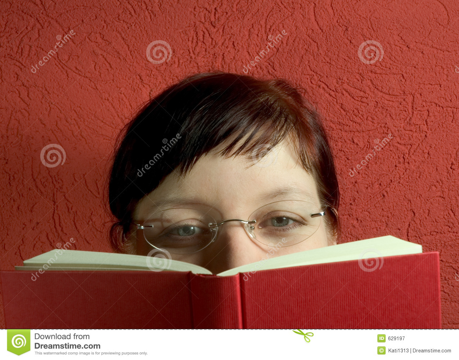 Download чтение стоковое изображение. изображение насчитывающей чтение - 629197
