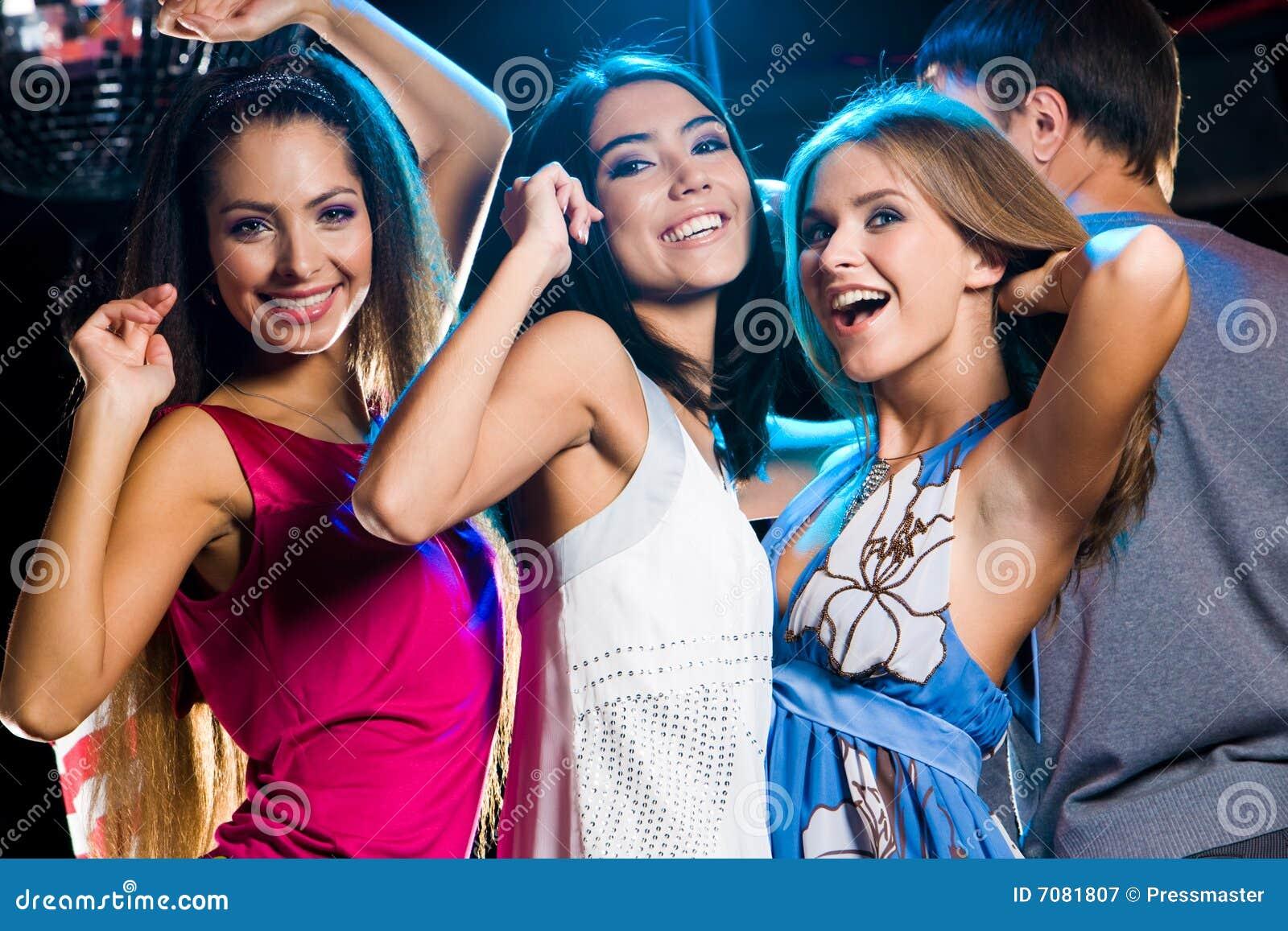 Фото девушек в ночных клубах 5 фотография