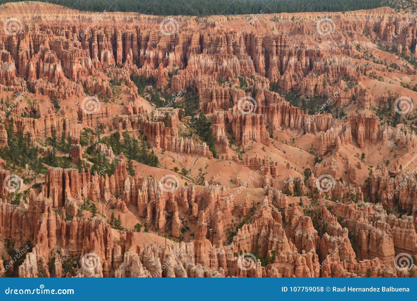 Чудесные образования Hodes в каньоне Bryce геология Путешествия Природа