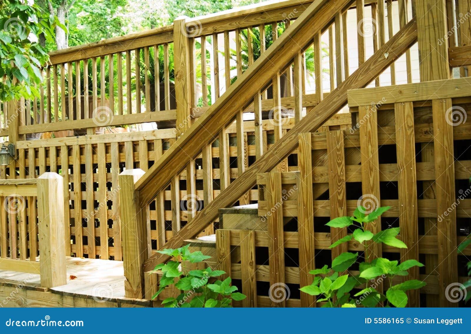 шаги railing палубы деревянные