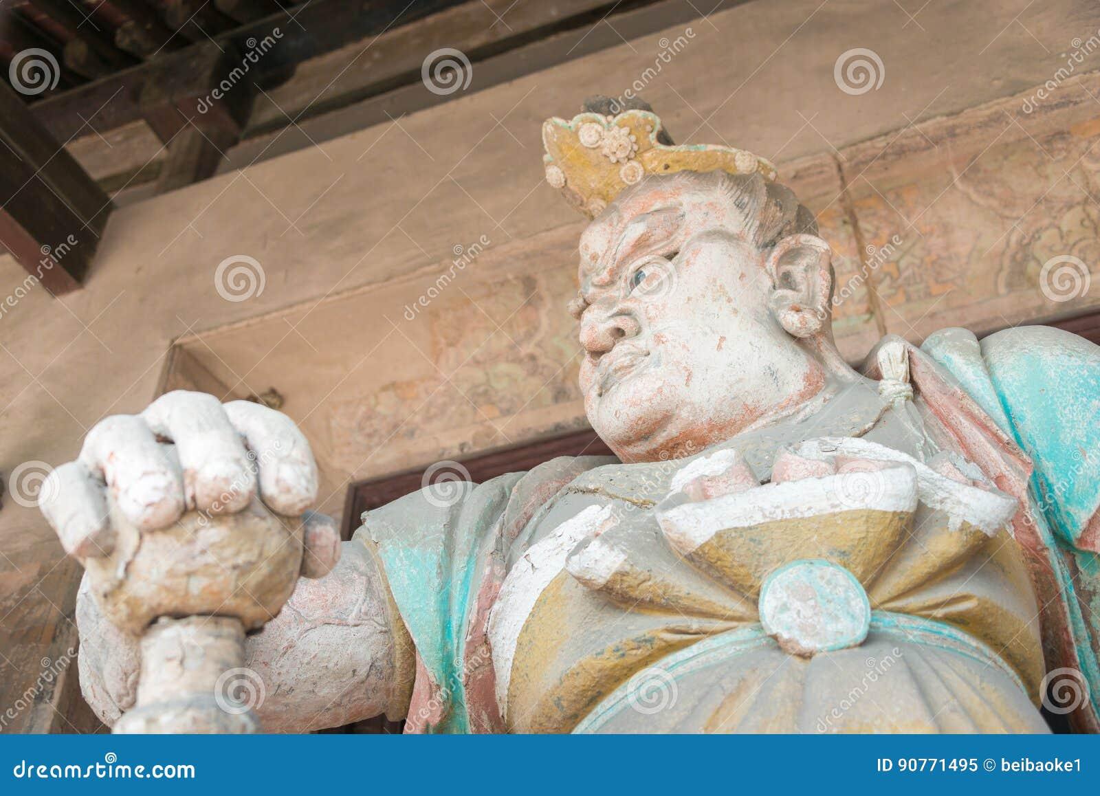 ШАНЬСИ, КИТАЙ - SEPT. 03 2015: Статуя Budda на виске Shuanglin (u