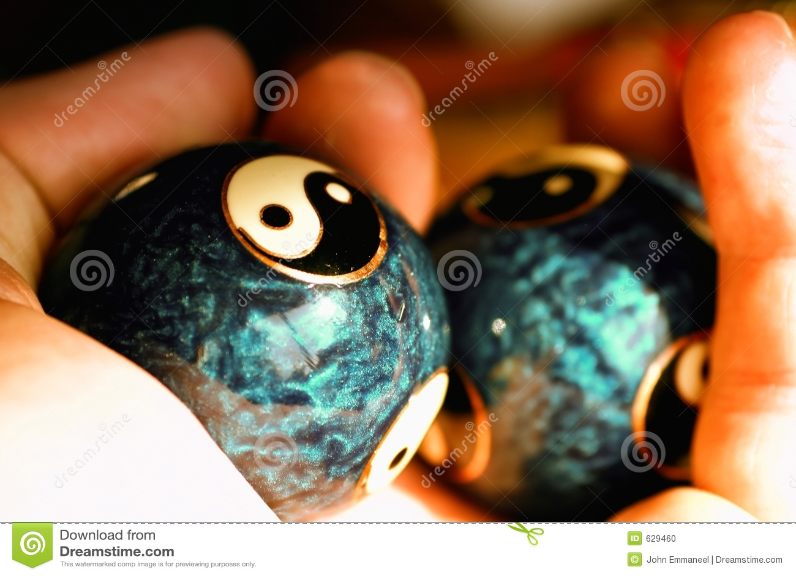 Download шарики yang ying стоковое фото. изображение насчитывающей массаж - 629460