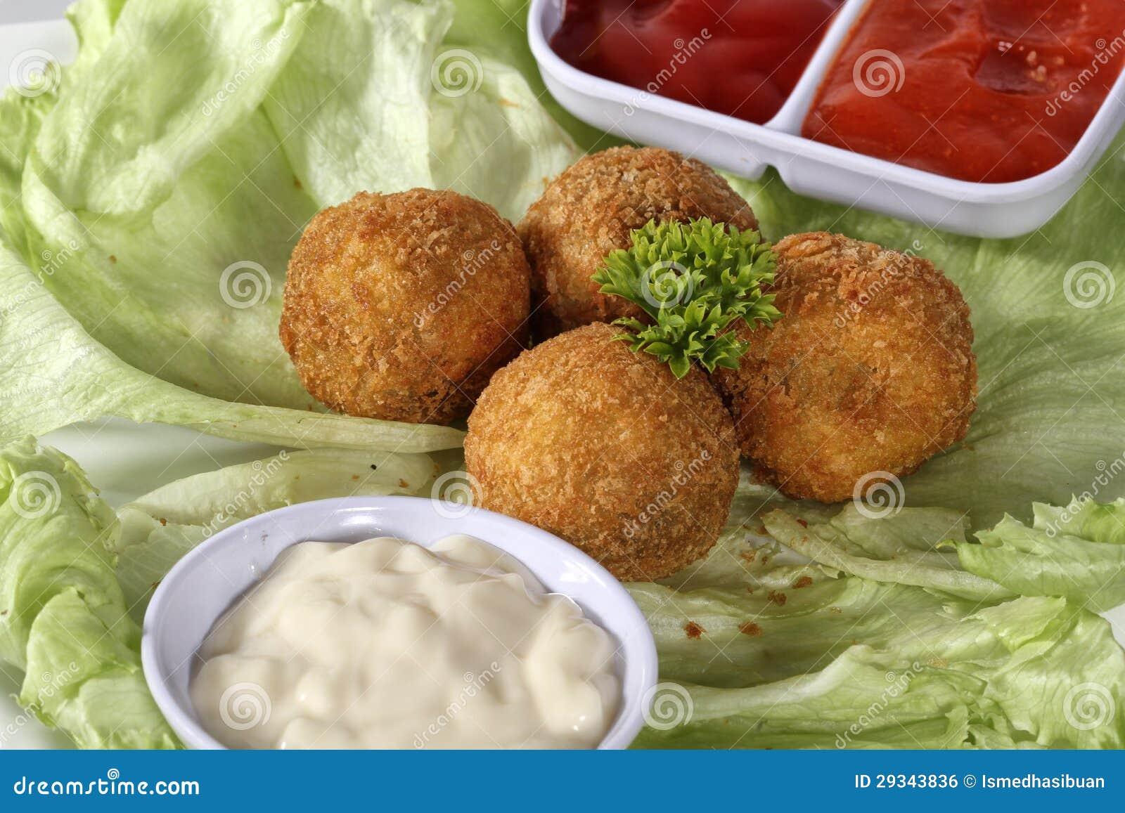 Шарик и соусы заедк мяса