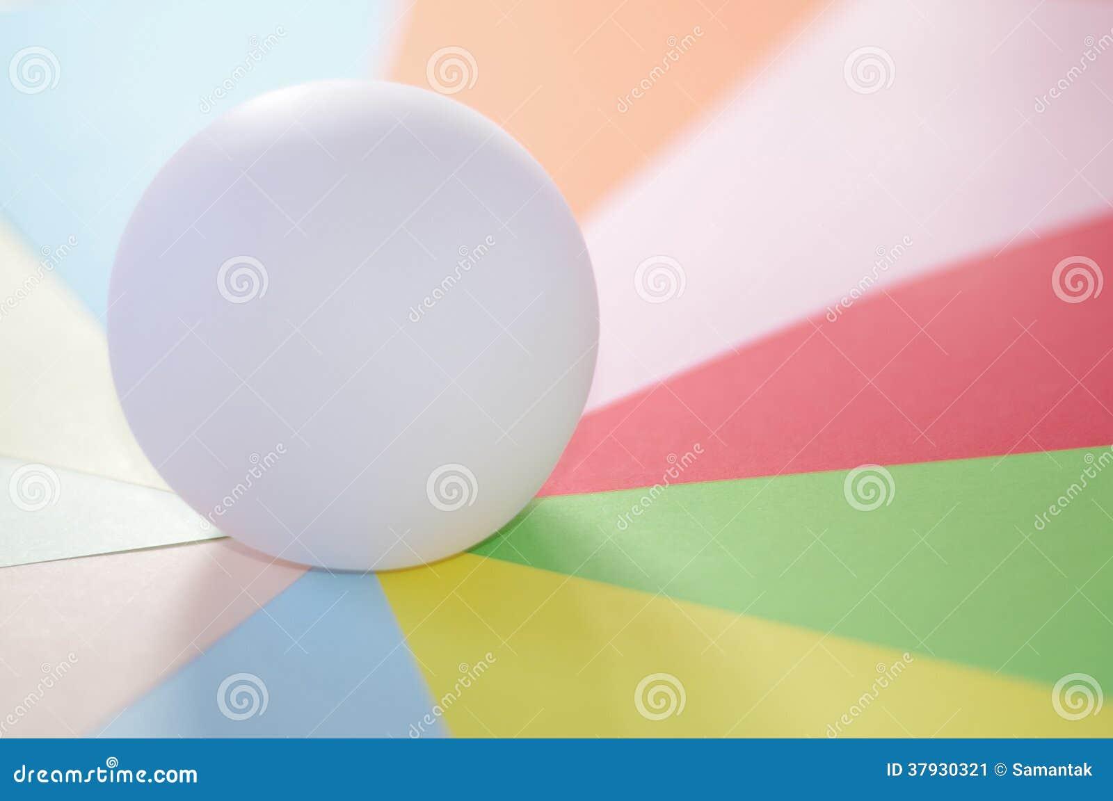 Шарик на спектре пастельных цветов