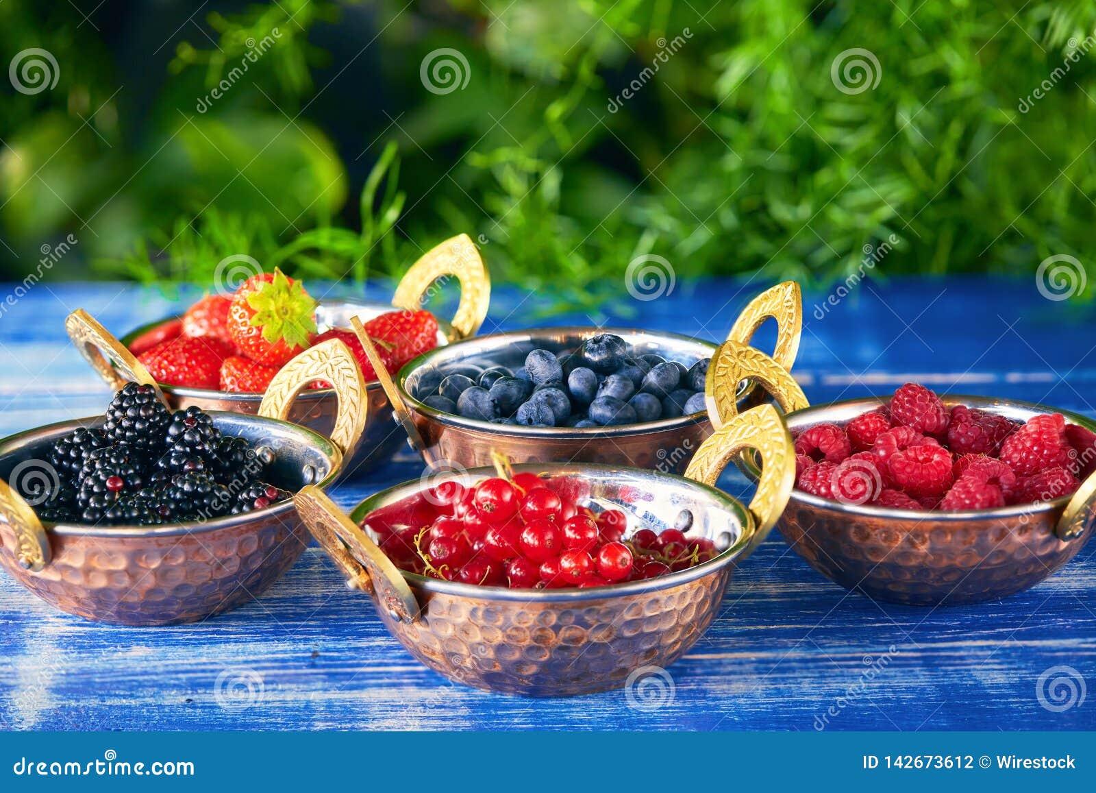 шары ягод свежие