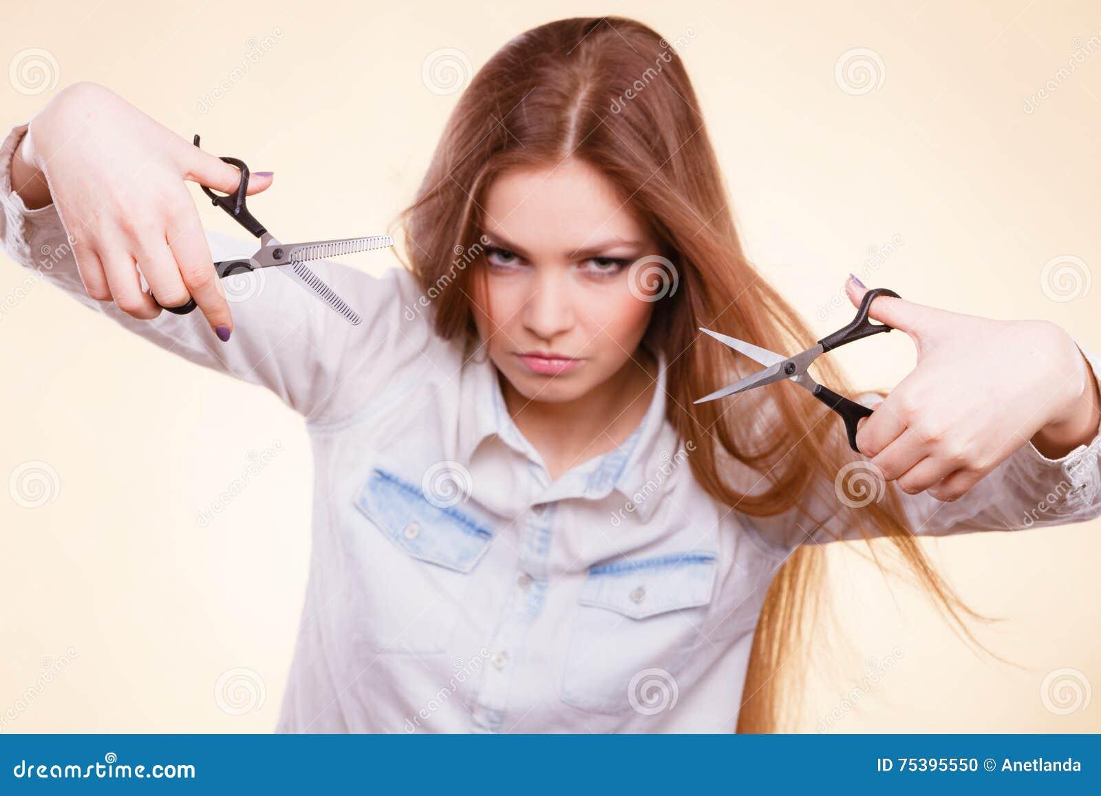 Девушки делают ножницы видео