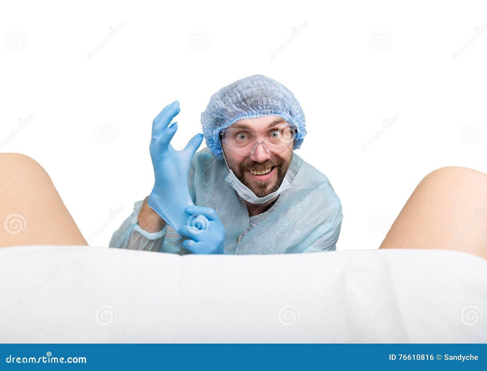 гинеколог рассматривает пациентов фото