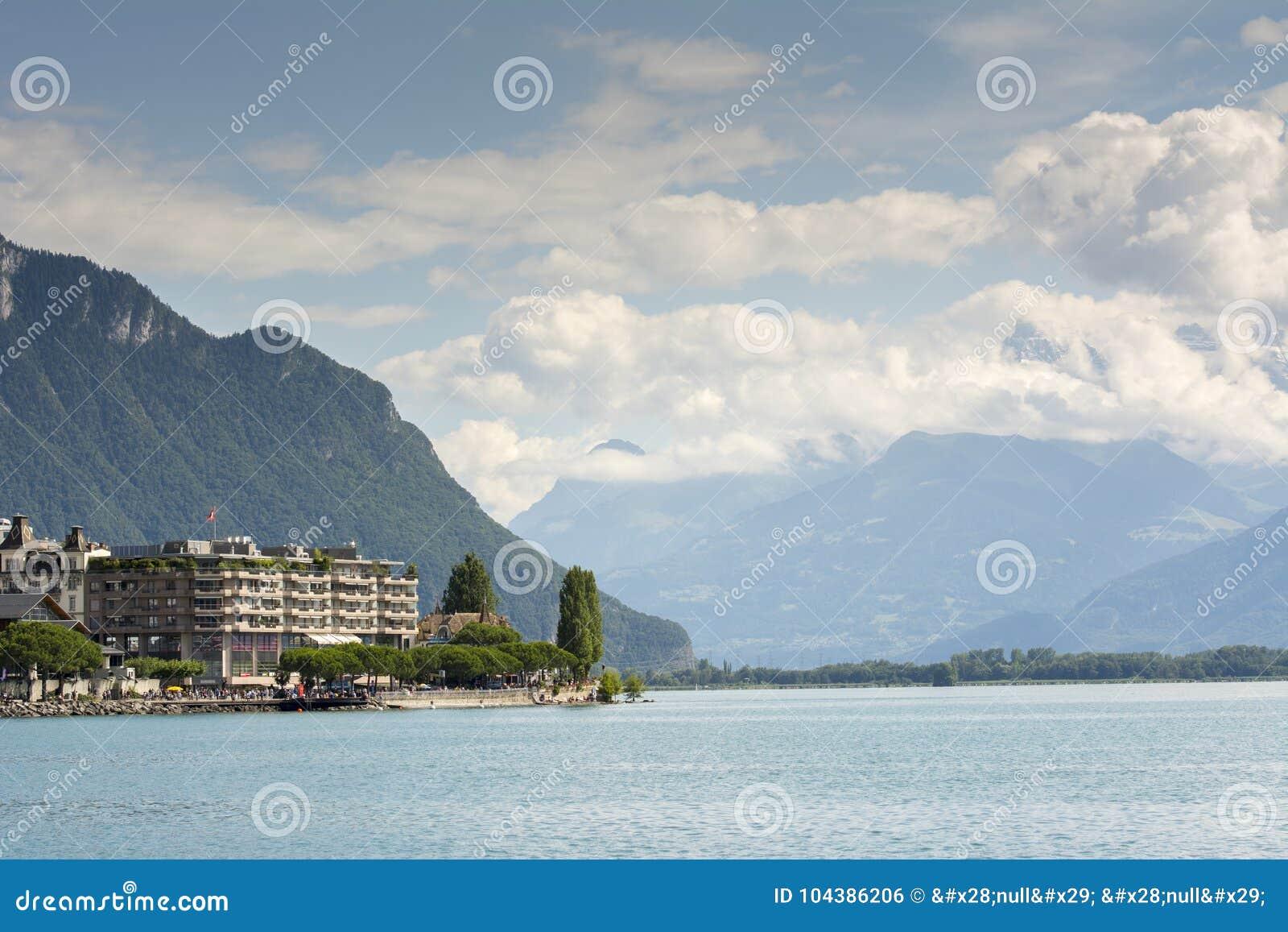 Швейцарец riviera около Монтрё