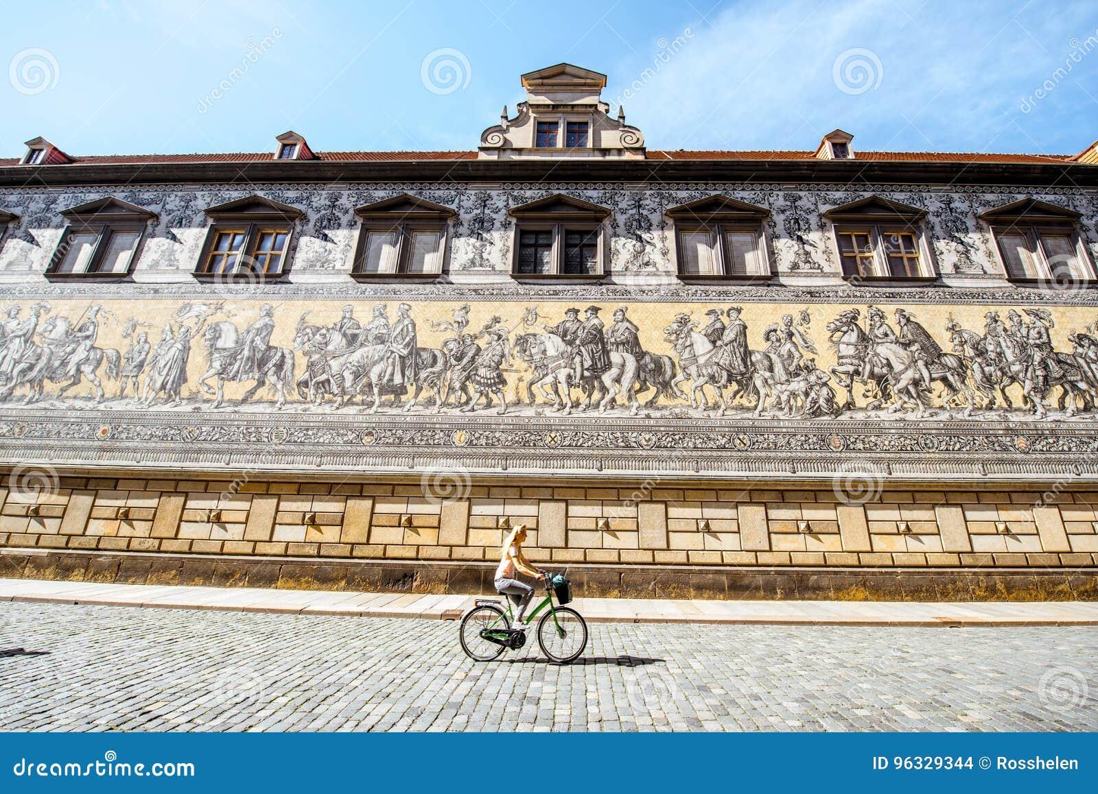 Шествие стены принцев в Дрездене