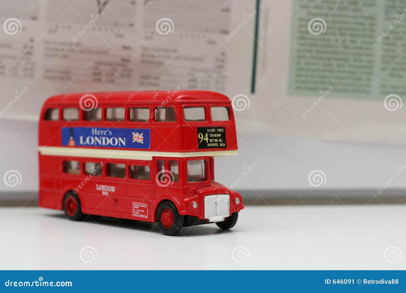 Download шина london стоковое изображение. изображение насчитывающей время - 646091