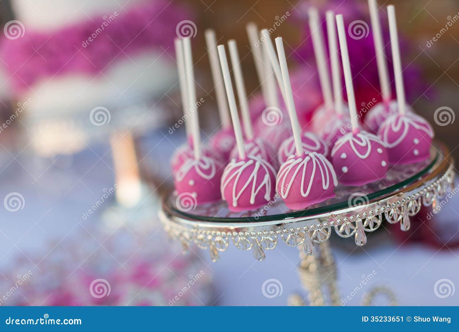 Шипучки и пирожные торта