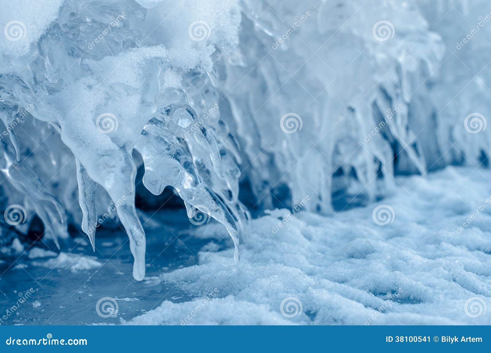 Шипы льда.