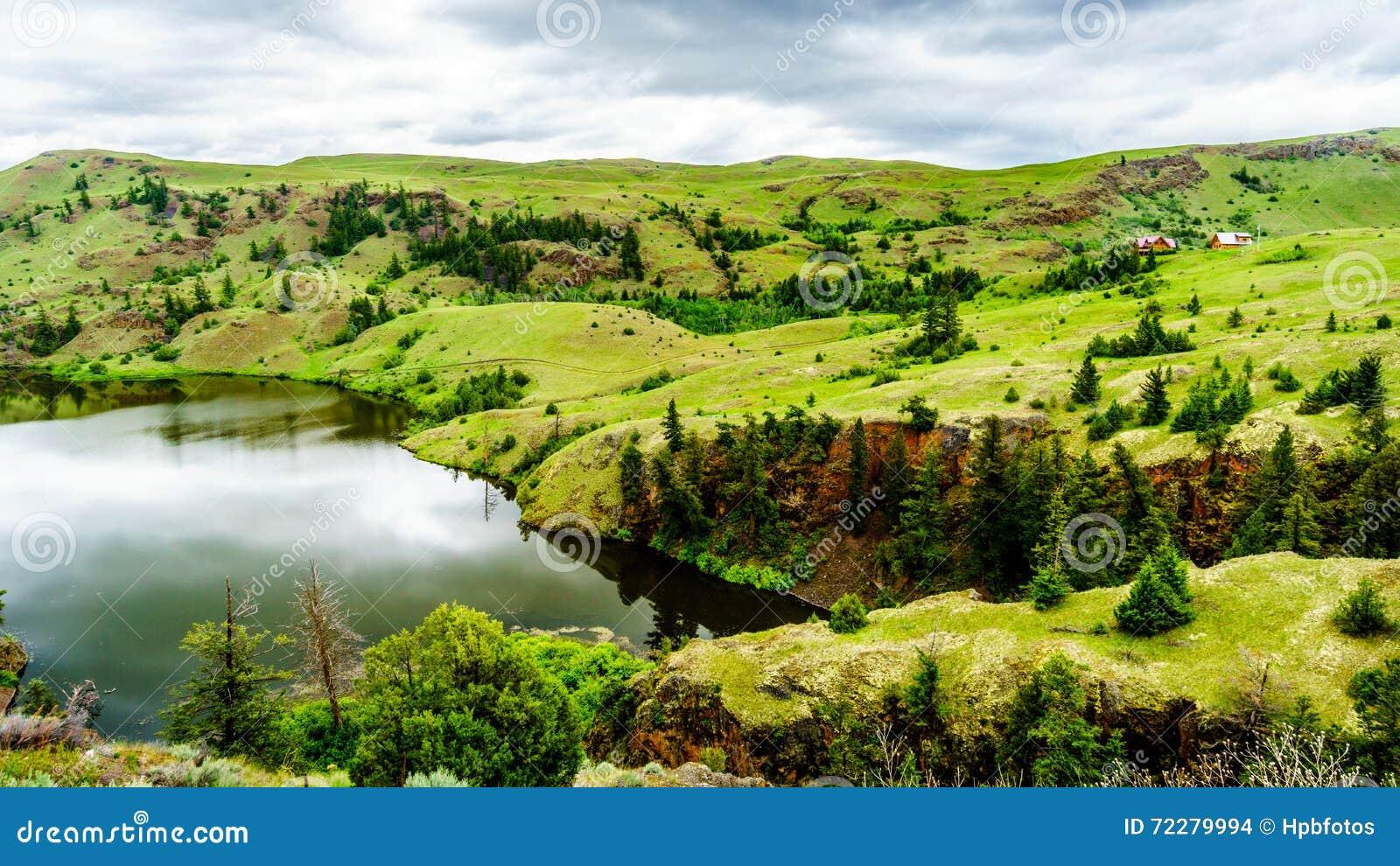 Download Широкие открытые злаковики и Rolling Hills долины Nicola Стоковое Фото - изображение насчитывающей nicola, открыто: 72279994
