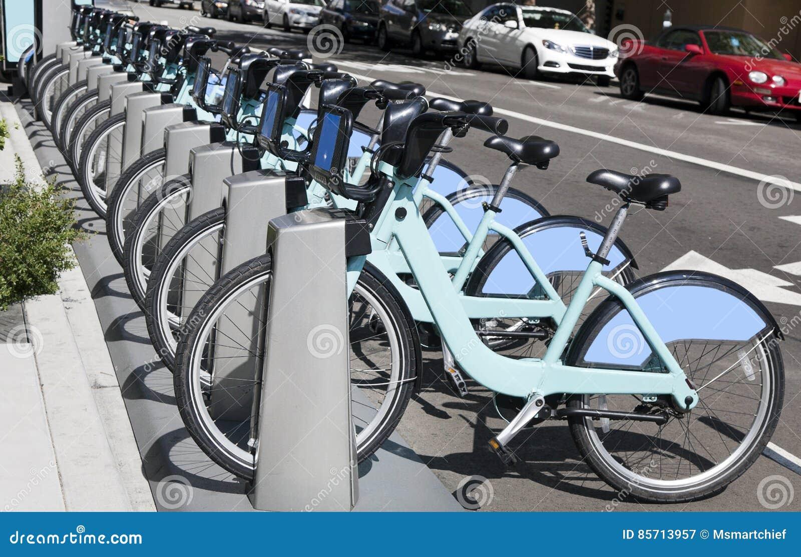 Шкаф доли велосипеда