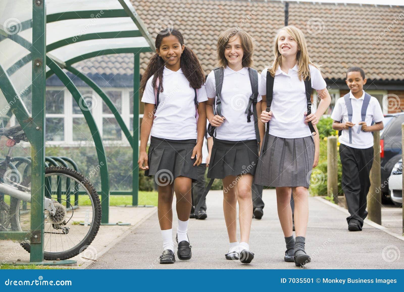 школа детей младшая выходя