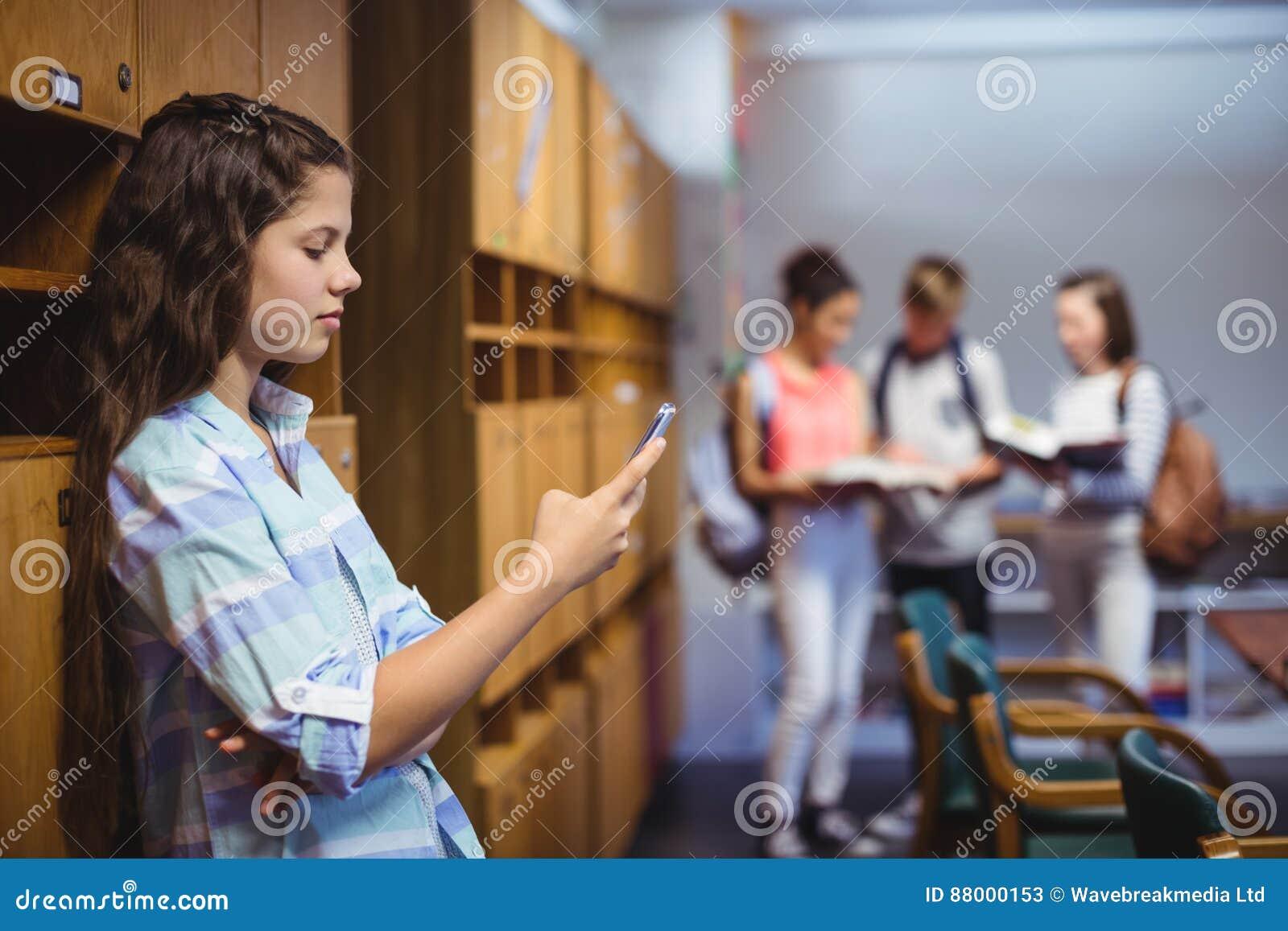 школьницы в раздевалке фото