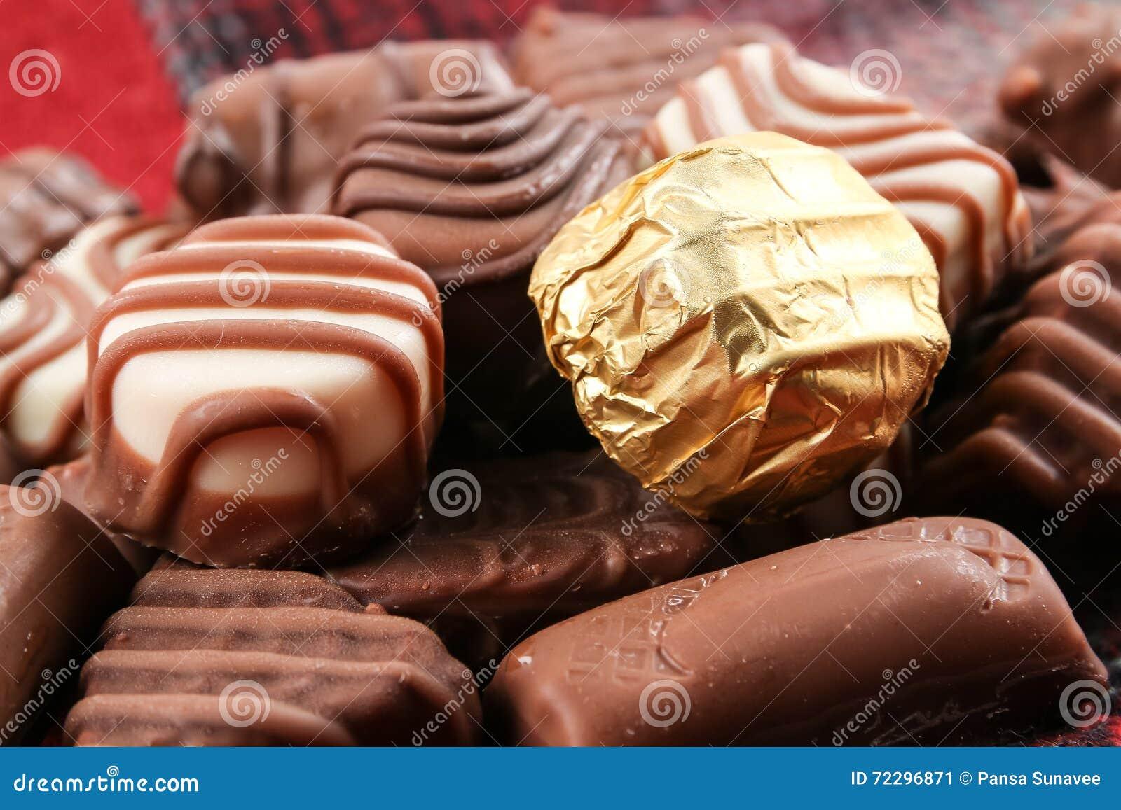 Download шоколад стоковое изображение. изображение насчитывающей брызгает - 72296871
