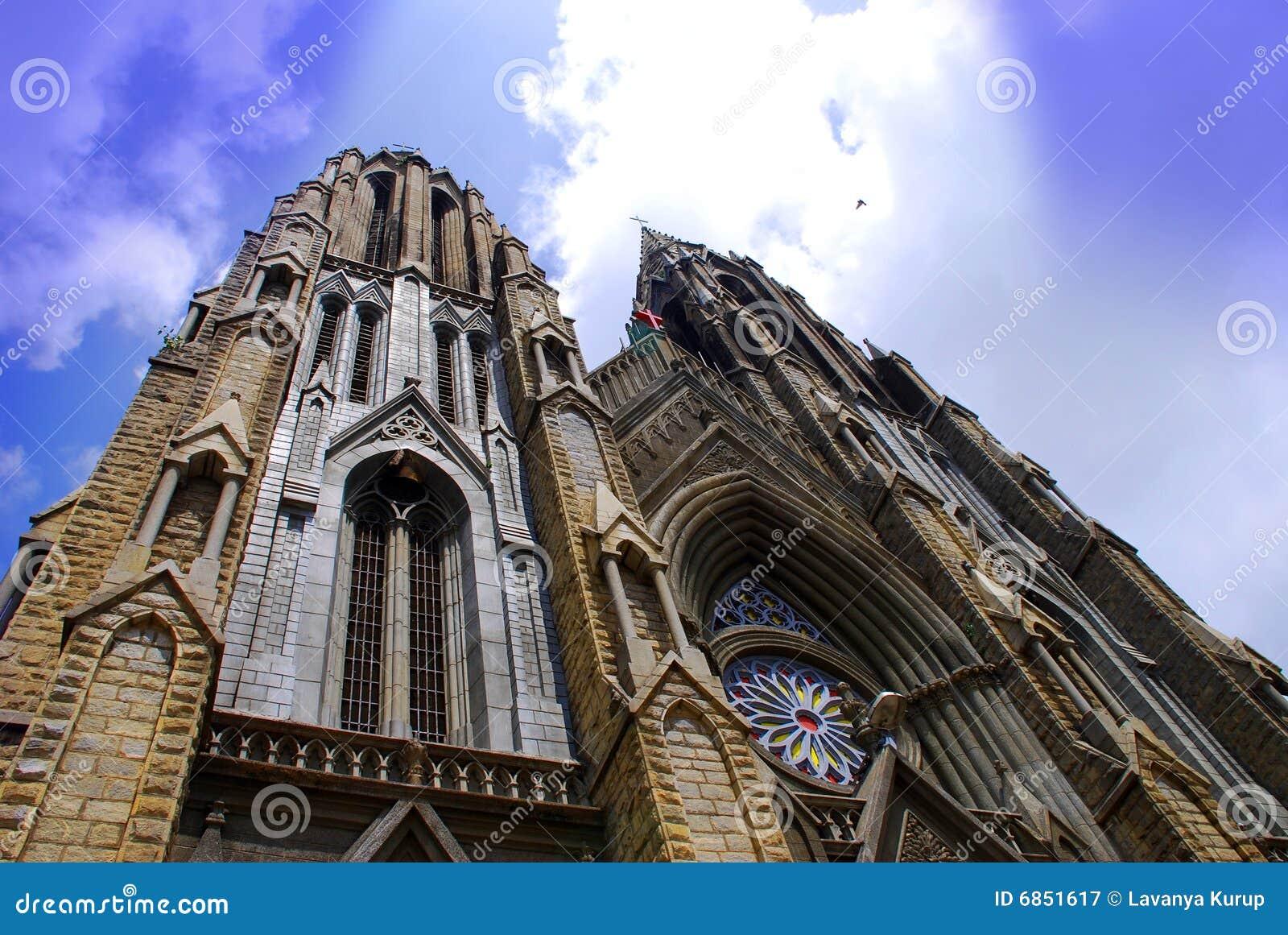 шпили церков