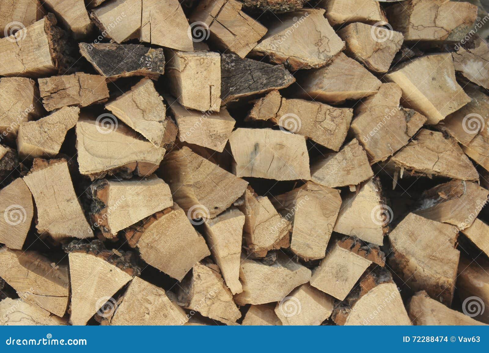 Download Штабелированный швырок в Woodpile Стоковое Фото - изображение насчитывающей пожар, сгребалка: 72288474