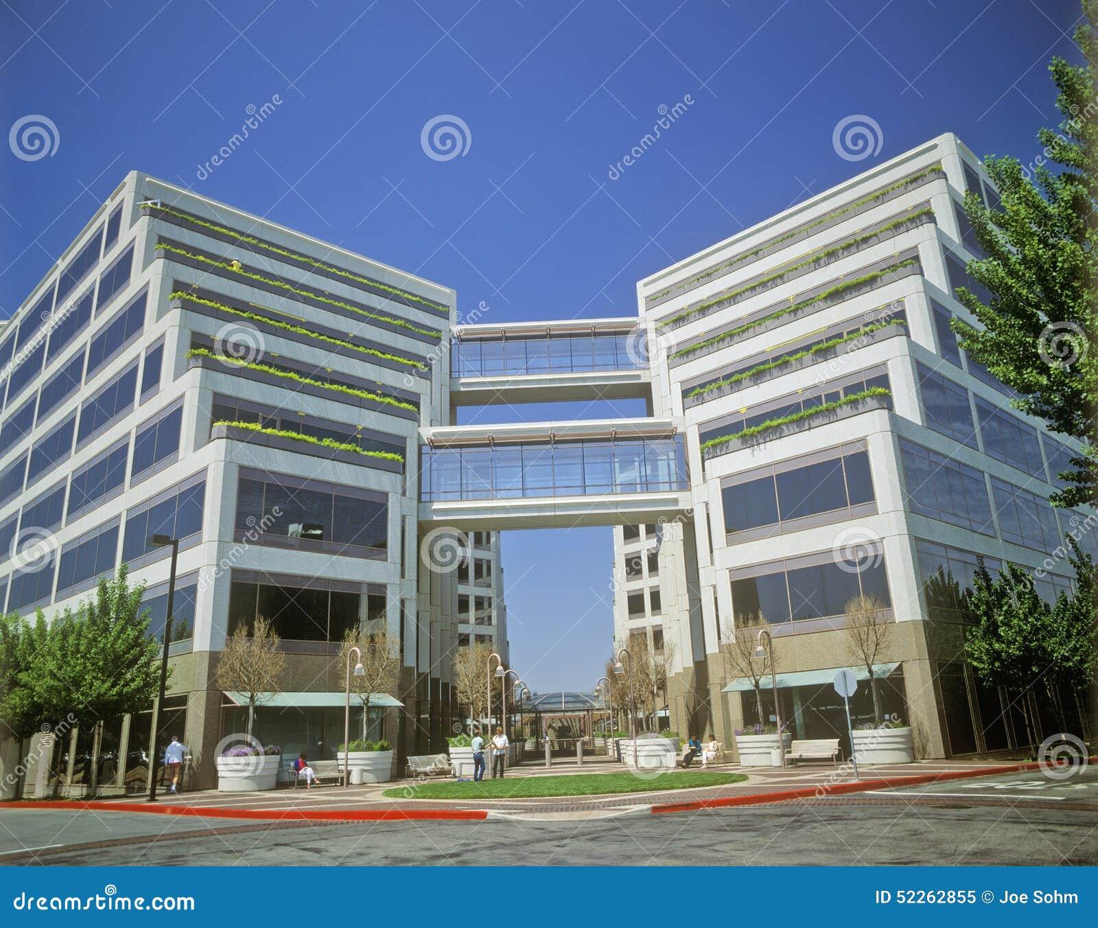 Штабы Яблока корпоративные в Cupertino, Калифорнии