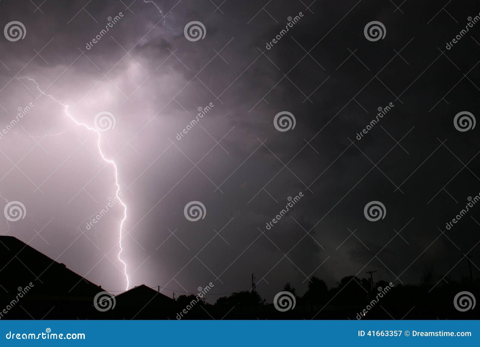 Шторм молнии