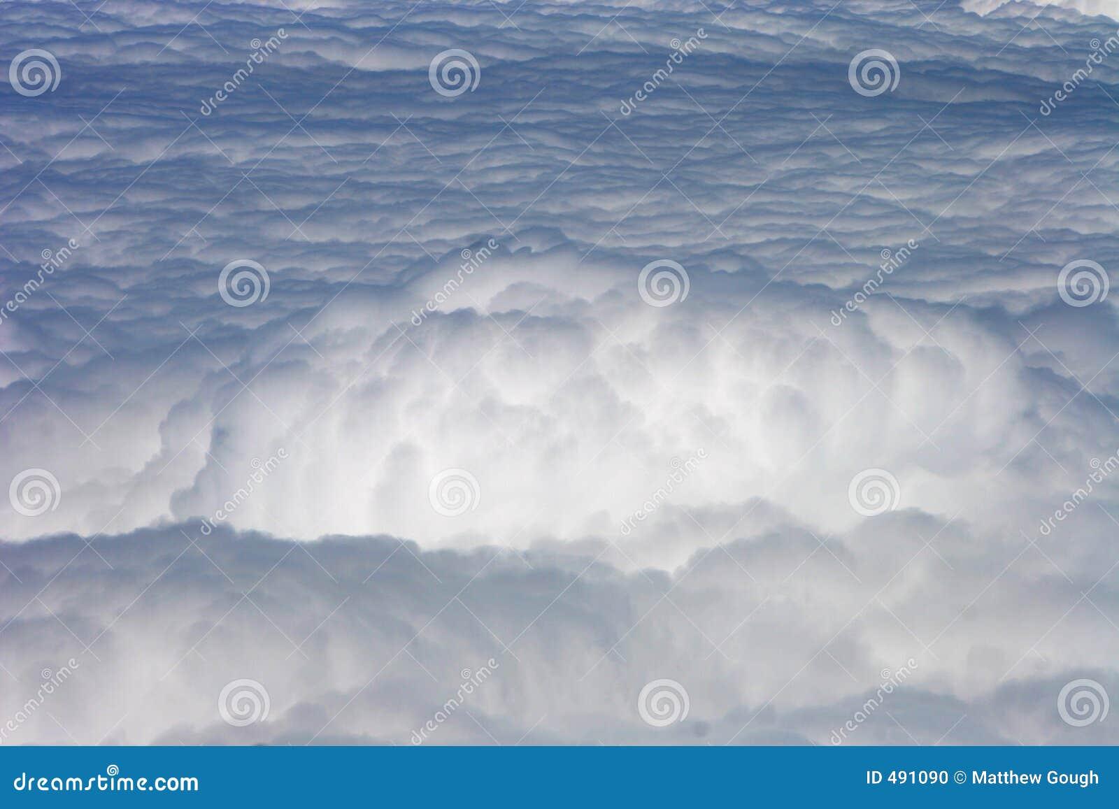шторм облака пушистый