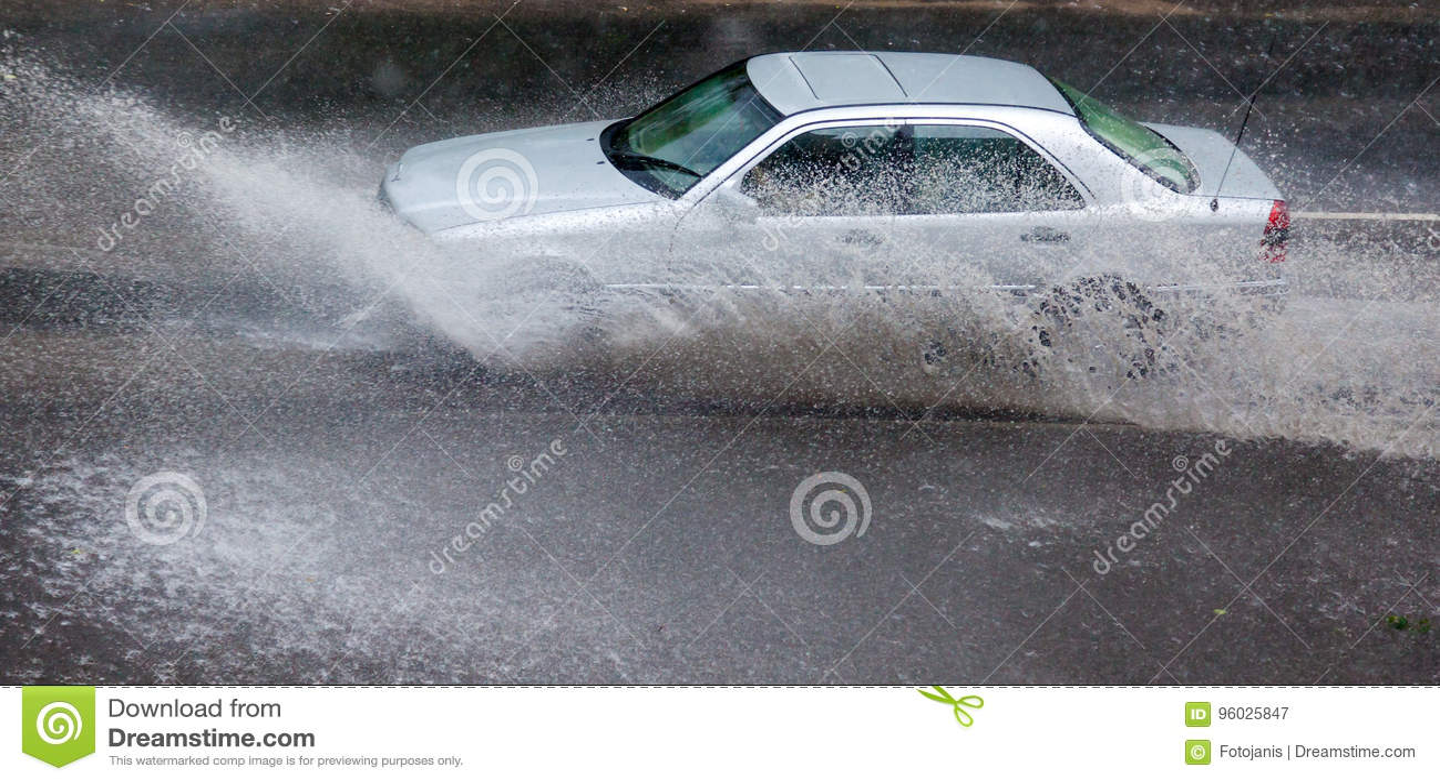 Шторм дождя