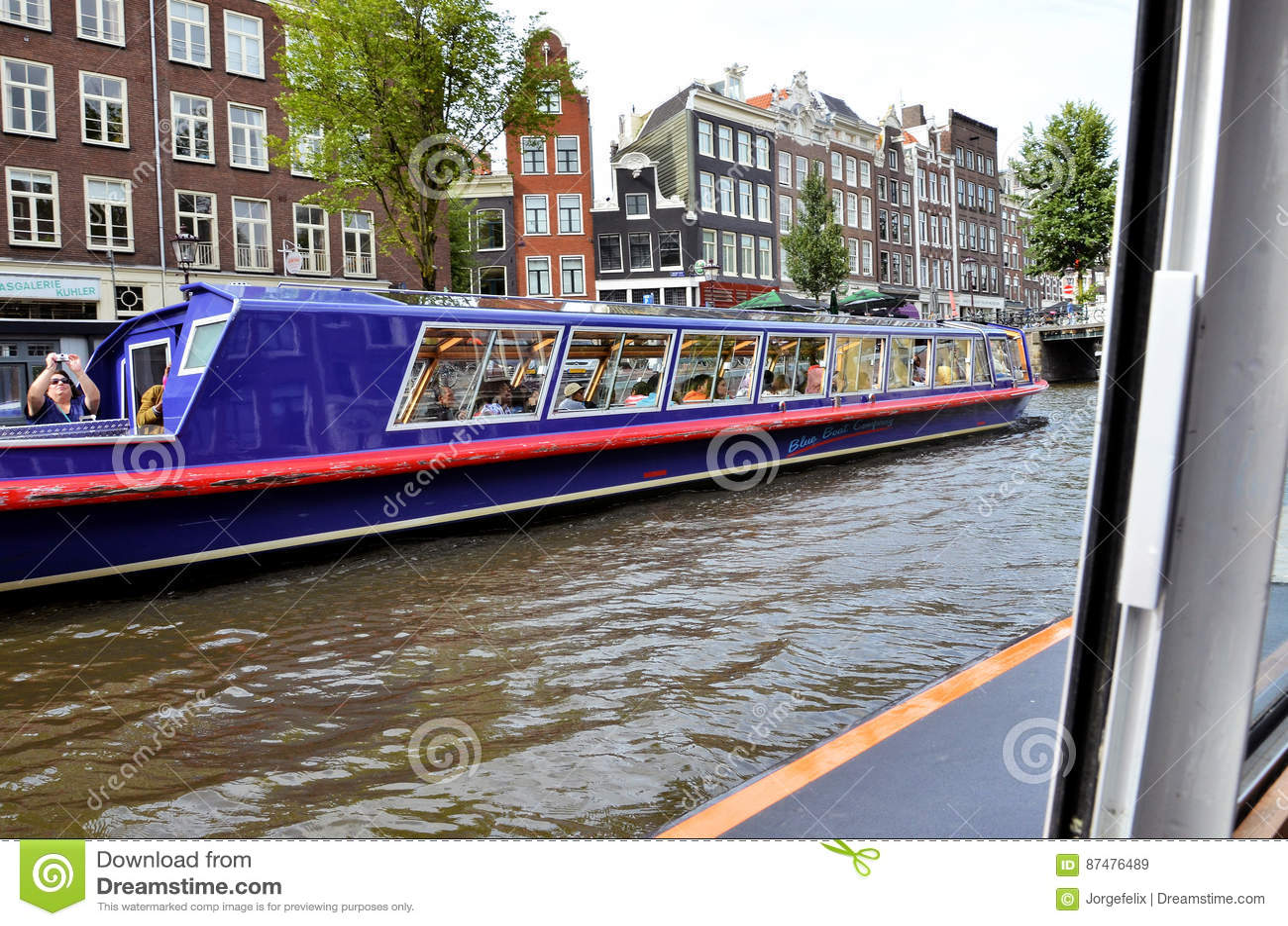 Шлюпки круиза в Амстердаме