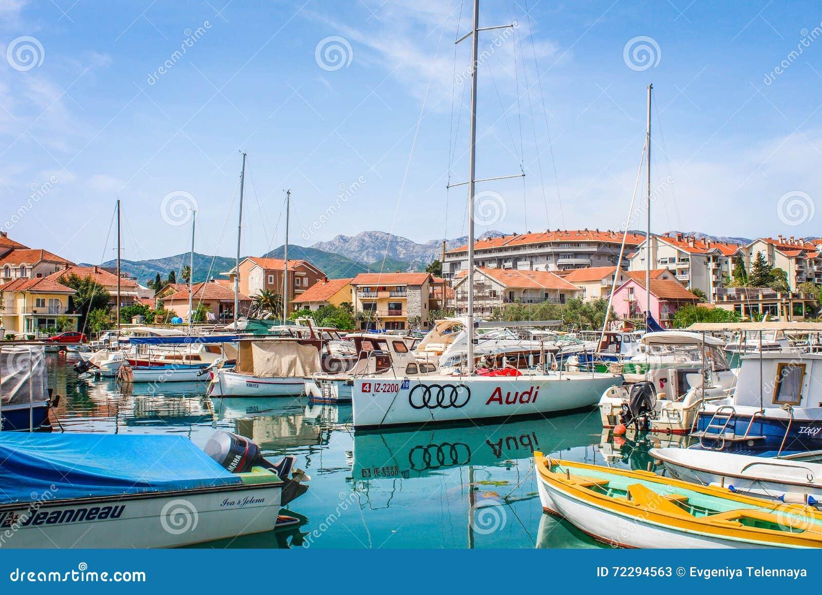 Download шлюпки montenegro редакционное стоковое фото. изображение насчитывающей солнечно - 72294563