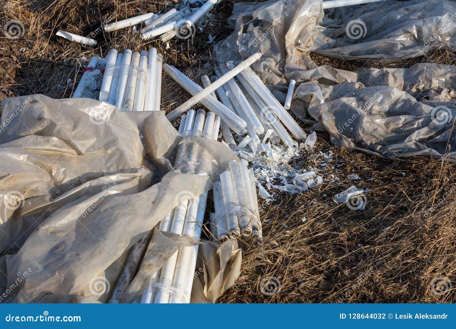 Экологическая проблема, бедствие Уголовное избавление дневных ламп ртути, E-отход загрязнение фото кризиса экологическое относящо