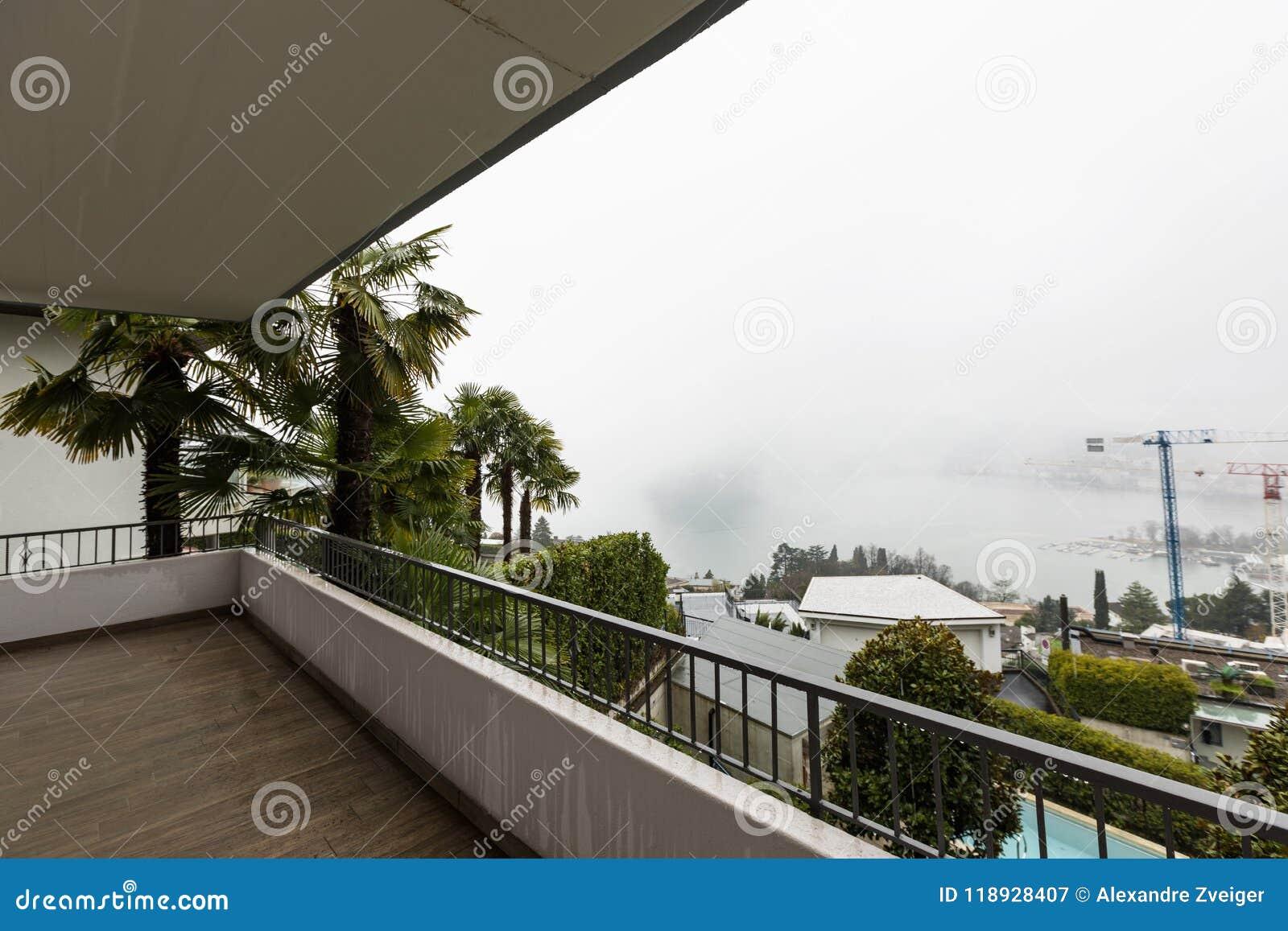 Экстерьер террасы с никто вокруг