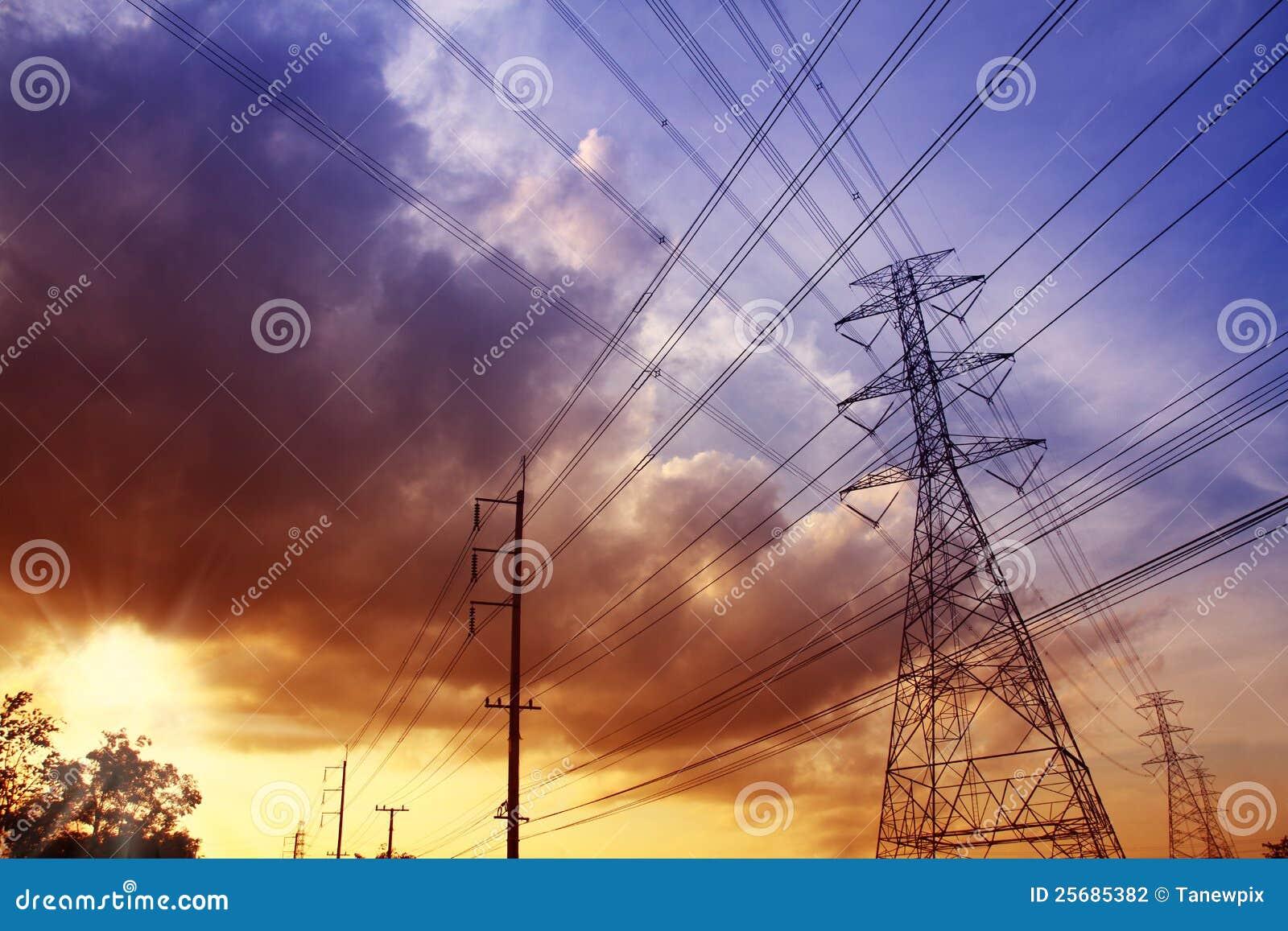 электричество помещает заход солнца