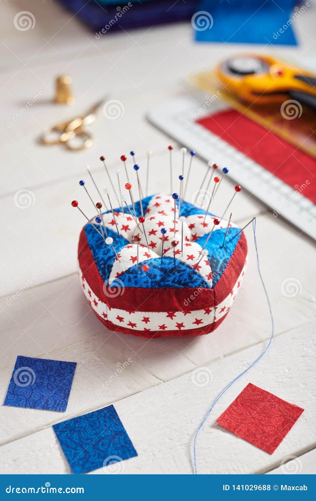 Элементы американского флага, стога валика Pin стилизованные ...