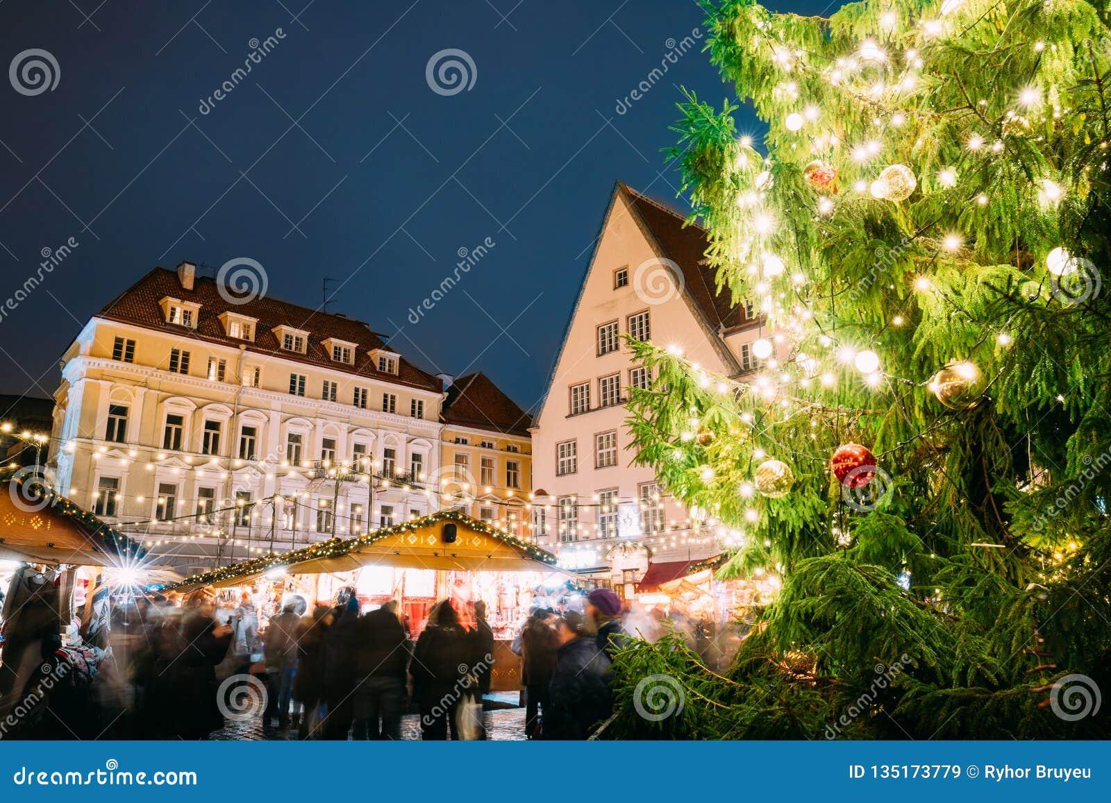 эстония tallinn Традиционная рождественская ярмарка на ратуше Squa