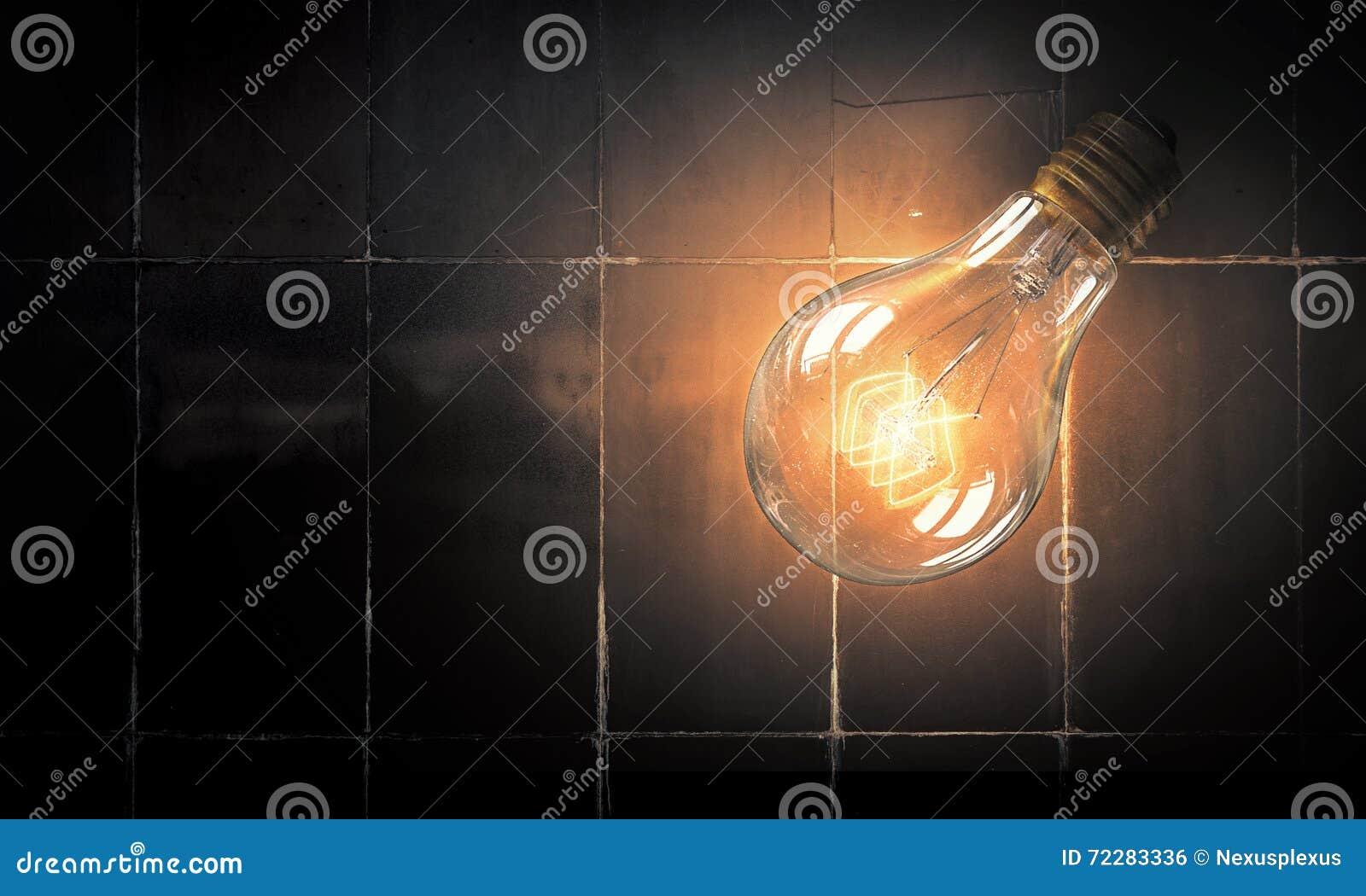 Download Электрическая лампочка на поверхности кирпича Стоковое Фото - изображение насчитывающей concept, наведенное: 72283336