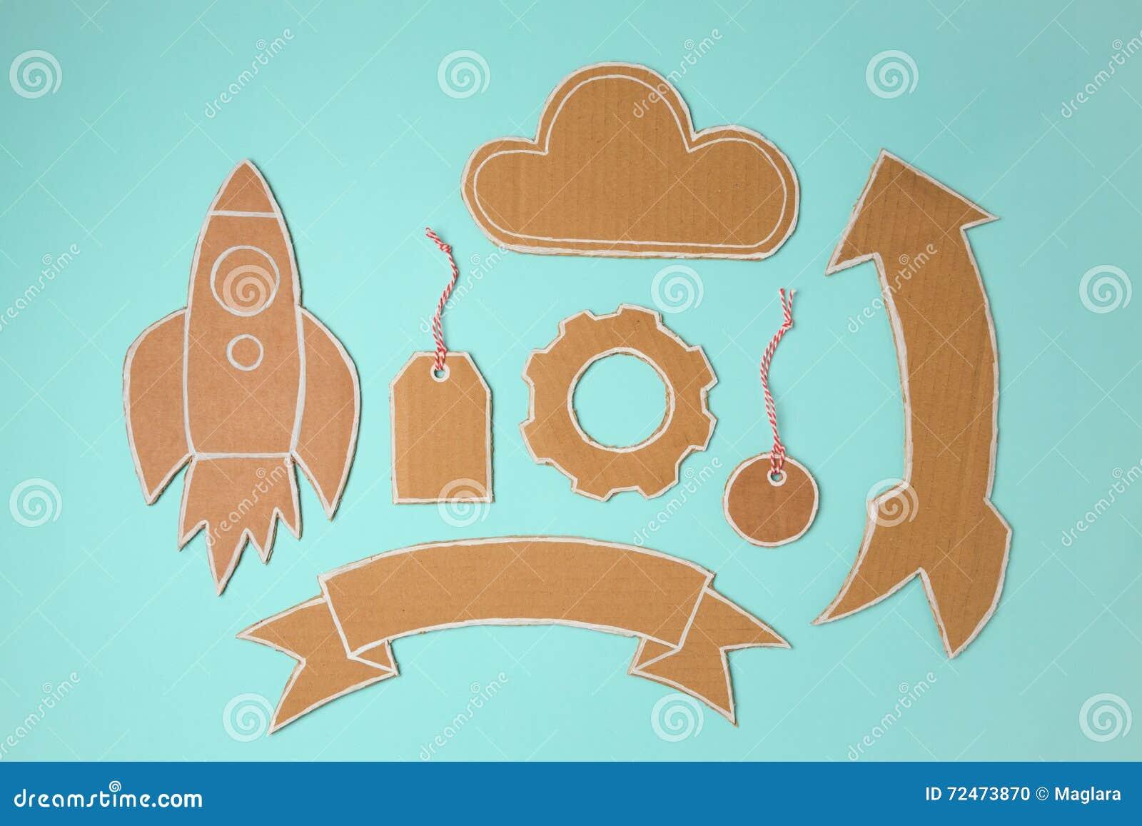 Элементы картона для дизайна Ракета, знамя, ценник, облако и стрелка handmade
