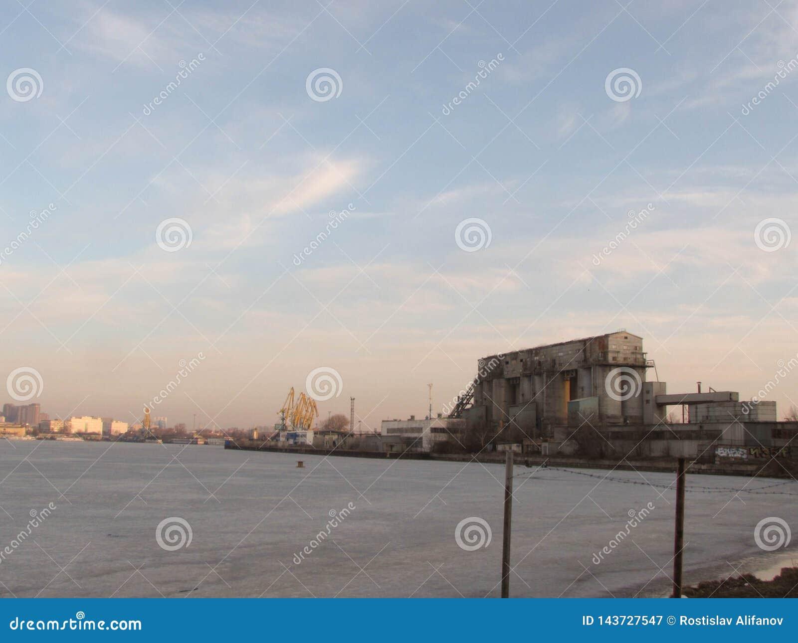 Южный порт в Москве